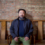 Famoso artista cinese picchiato dalla polizia e messo agli arresti
