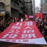 "Hong Kong, si dimettono 5 deputati per dar vita al ""referendum sulla democrazia"""
