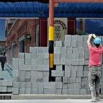 Cina, migliaia di immigrati senza visto entrano nel sud del paese in cerca di lavoro