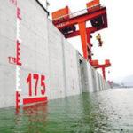 Cina, rivolta contro la diga dei record