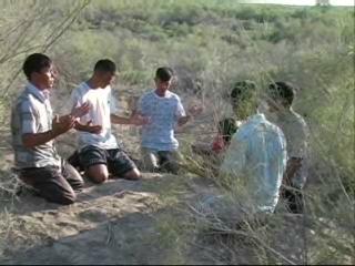 UZBEKISTAN – Tashkent, pensionati multati e Bibbie distrutte: 'Lo Stat...