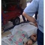 Cina, uomo tenta di dare via i cinque figli sul ciglio della strada