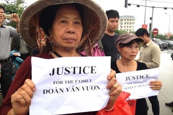 VIETNAM ; Hanoi conferma la condanna per l'eroe della lotta agli espro...