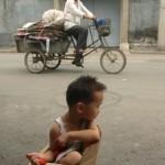 Cina: liberati 92 bambini vittime del traffico umano. E della legge sul figlio unico