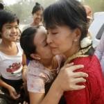 Elezioni in Birmania,  Aung San Suu Kyi denuncia: più di 100 violazioni delle regole elettorali