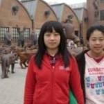 """Non ha un'identità pubblica, non può andare a scuola né all'ospedale: la vita di Xue, """"seconda figlia illegale"""" in Cina"""
