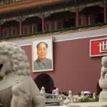 CINA: Due miliardi di euro per la festa di Mao, ma la rete insorge.