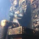 Tibet : Sala di preghiera del monastero di Lithang  distrutta dal fuoco.