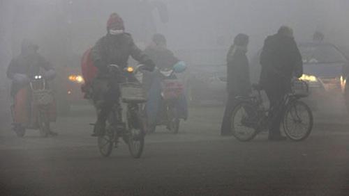CINA - Ex ministro ammette: In Cina lo smog uccide mezzo milione di pe...