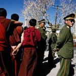 Monaci tibetani a scuola di partito