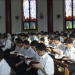CINA-VATICANO. Pechino, i seminaristi disertano la consegna dei diplomi: Non celebriamo messa con i vescovi illeciti