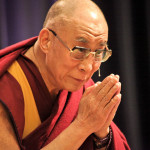 """Il Dalai Lama fa il """"pienone"""" in cattedrale"""