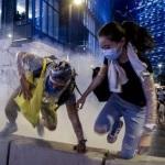 """Hong Kong, la rivolta contro la Cina si infiamma La condanna di Pechino: """"Proteste illegali"""".(Video)"""