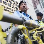 Rivoluzione degli ombrelli, polizia di Hong Kong pianifica sgombero dei dimostranti