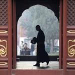 Funzionari del Pcc in crisi cercano consulenze dai monaci