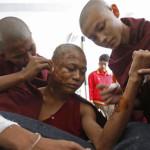 Myanmar, monaci buddisti denunciano il ministero degli Interni per le violenze del 2012