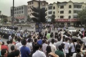 cina scioperano 5000 operai delle calzature proteste per