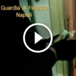 Napoli, cinese tenta di corrompere finanziere: arrestata (Video)