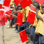 Ecco come i cinesi ci mandano gli immigrati dall'Africa