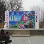 Baoding, arrestato il parroco di Maria Regina della Cina. Demolito un altare cattolico