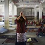 Tibet, madre di due figli si dà fuoco contro l'occupazione cinese: è morta