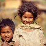 REPORTAGE: Tra i bambini perduti del Nepal venduti come schiavi e spose