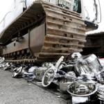 I servizi doganali svizzeri distruggono a Thônex una tonnellata di pentole e coltelli contraffatti made in Cina