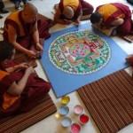 I monaci buddisti al Padiglione Tibet in tour per la pace