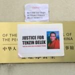 Sichuan, migliaia di tibetani chiedono al governo il corpo di Tenzin Delek Rinpoche