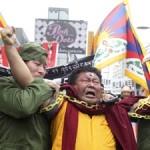 CINA – TIBET. Qinghai, arrestati i familiari del lama auto-immolato: ne chiedevano il corpo