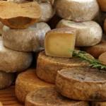 Formaggio fatto senza latte, Coldiretti denuncia l'Ue