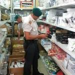 Prodotti pericolosi in vendita in negozio cinese; sequestrati 150mila pezzi nel Catanzarese, 1 denuncia