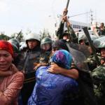 CINA: terra bruciata,la nuova politica di Pechino contro gli Uiguri
