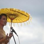 Aung San Suu Kyi chiede alla comunità internazionale di seguire le elezioni in Birmania