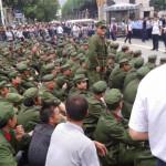 La polizia cinese detiene più di 1.000  veterani del PLA a Pechino