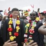 I leader dittatori Mugabe (Zimbabwe) e l'amico Xi Jinping (Cina) si incontrano ad Harare (Africa)