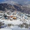Nepal i terremotati sotto la neve rischiano la morte per fame. Gli aiu...