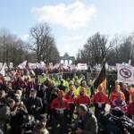 Migliaia di operai e numerosi imprenditori hanno protestato a Bruxelles contro la concorrenza sleale cinese