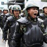 CINA- Gli abitanti di Xingtai insorgono contro la polizia: silenzi, non hanno salvato i nostri bambini dall'alluvione (video)