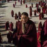 Oltre 2000 monache costrette ad abbandonare il Centro Studi di Larung Gar.[2 video]