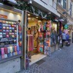 ROMA, Botteghe scomparse. Centro storico made in China: Via in Arcione, solo 2 negozi romani