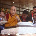 Il Dalai Lama festeggia 82 anni. Ira di Pechino contro Delhi