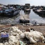 Olio di palma invade 11 spiagge di Hong Kong: viene da un incidente in Cina di due giorni prima