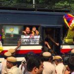 Manifestazione di protesta dei tibetani in occasione dell'inizio del 19° Congresso del Partito Comunista cinese