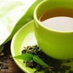 La Cina produce tè verde con pesticidi e la Francia, pur sapendo, lo vende con l'ok del governo per piazzare a Pechino aerei e auto