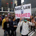 HONG KONG-CINA:  migliaia protestano per 'proteggere Hong Kong' dalle interferenze di Pechino