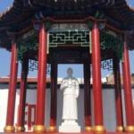 Ora il partito comunista in Cina abbatte anche le statue dei santi