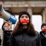 L'accusa di Amnesty: c'è un assalto combinato contro le Ong