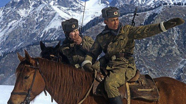 «Appeso come carne fresca», un kazako ricorda le torture subite