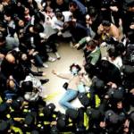 CINA: scontri fra studenti e polizia. I giovani ingannati con falsi diplomi